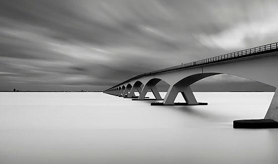 мост на воде