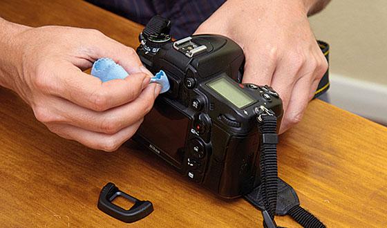 чистка корпуса фотоаппарата