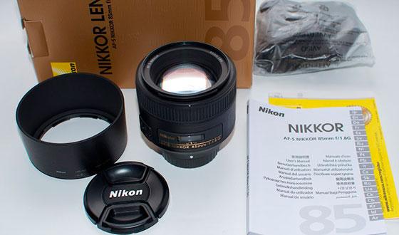 комплект в упаковки nikon af-s 85mm f1.8g