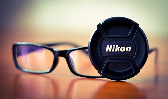 очки и крышка от объектива