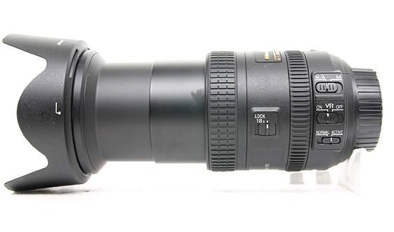 объектив nikon 18-200mm с блендой в открытом виде